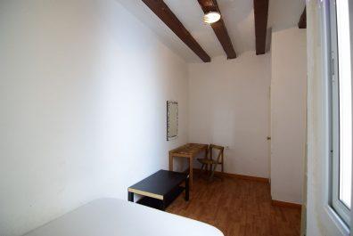 Ref 1584 – Apartament en lloguer a la zona de Ciutat Vella, Barcelona. 60m2