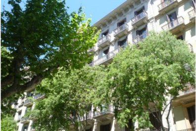Ref 1907 – Apartament en lloguer a la zona de l'Eixample, Barcelona. 61m2