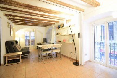 Ref 2145 – Apartamento en alquiler en la zona del Barri Gòtic, Barcelona. 45m2