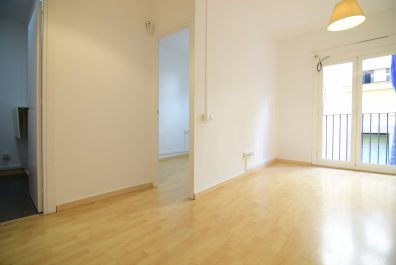 Ref 2538 – Apartment for rent in Raval, Barcelona. 35m2