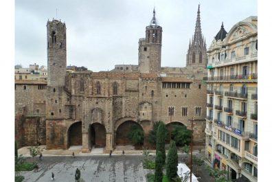 Ref 3310 – Apartament en lloguer a la zona del Gòtic, Barcelona. 100m2