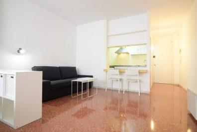 Ref 3763 – Estudi en lloguer a la zona de Sant Antoni, Barcelona. 40m2