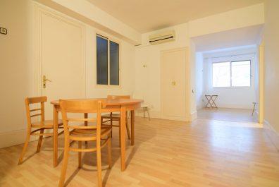 Ref 1046P – Apartamento en alquiler en la zona de Les Corts, Barcelona. 50m2