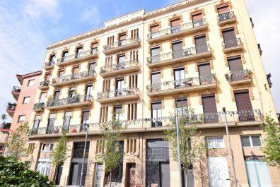 Ref 4173 – Dúplex en lloguer a la zona de la Plaça de Sants, Barcelona. 55m2