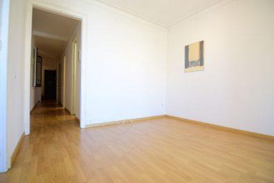Ref 3923 – Apartament en lloguer a la zona l'Eixample, Barcelona. 74m2