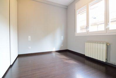 Ref 4192 – Apartamento en alquiler en la zona de Les Corts, Barcelona. 67m2