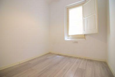 Ref 4194 – Apartamento en alquiler en la zona de Sant Antoni, Barcelona. 70m2