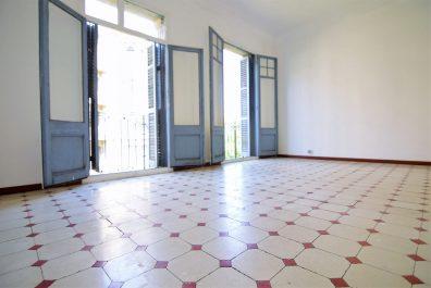Ref 2125 – Apartamento en alquiler en la zona de Eixample, Barcelona. 100m2