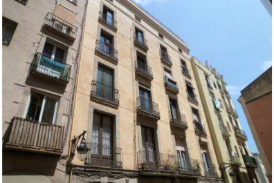 Ref 2139 – Ático en alquiler en la zona de Plaça Catalunya, Barcelona. 73m2