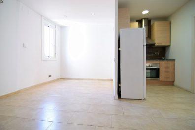 Ref 4157 – Apartament en lloguer a la zona de Sant Antoni, Barcelona. 44m2