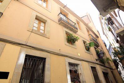 Ref 4198 – Dúplex en alquiler en la zona de El Gòtic, Barcelona. 60m2