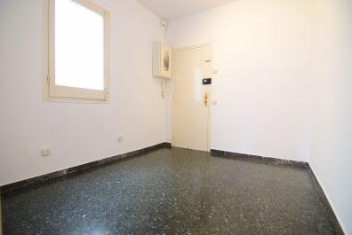 Ref 1436 – Ático en alquiler en Sant Gervasi, Barcelona, 35 m2