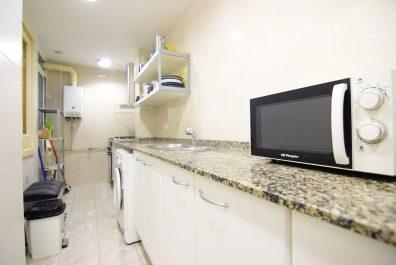 Ref 4225 – Apartamento en alquiler en la zona de Sants-Montjuïc, Barcelona. 75m2