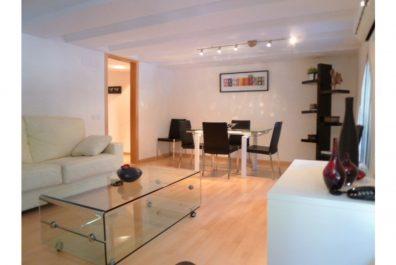 Ref 2187 – Apartament en lloguer a la zona de la Sagrada Família, Barcelona. 73m2