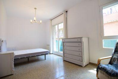 Ref 2486 – Apartamento en alquiler en la zona de Gràcia, Barcelona. 70m2