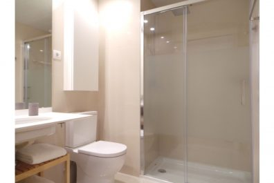 Ref 3046 – Apartament en lloguer en la zona de Eixample, Barcelona. 75m2