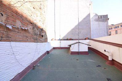 Ref 3116- Àtic en lloguer a la zona de Sant Antoni, Barcelona. 31 m2