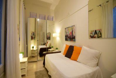 Ref 3301 – Studio for rent in Eixample, Barcelona. 25m2