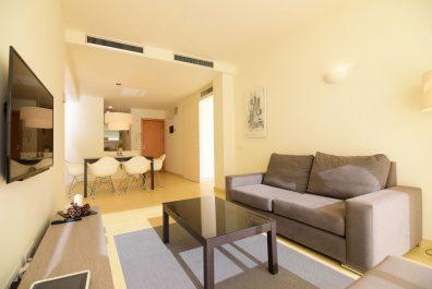 Ref 3407 – Apartament en lloguer a la zona de Eixample, Barcelona. 85m2