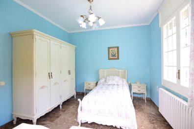Ref 3682AV – Casa en venta en la zona de Sant Boi de Llobregat, Marianao. Parcela de 1341m2
