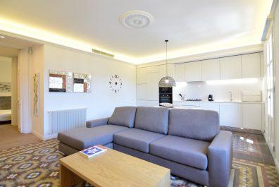 Ref 3702 – Apartament en lloguer a la zona de Plaça Catalunya, Barcelona. 80m2