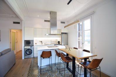 Ref 3722 – Apartamento en alquiler en la zona de Plaça Catalunya, Barcelona. 82 m2