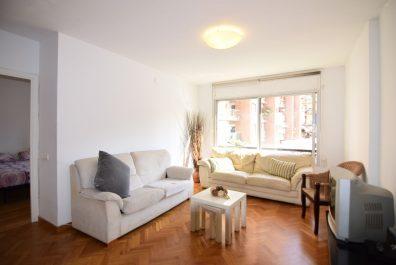 Ref 3725 – Apartamento en alquiler en la zona de Eixample, Barcelona. 95m2