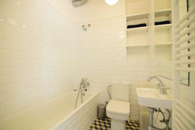 Ref 3875 – Apartment for rent in Borne, Barcelona. 80m2