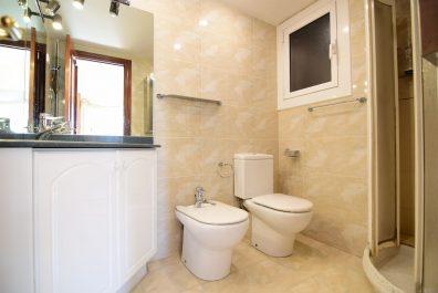 Ref 3887 – Apartamento en alquiler en la zona de Eixample, Barcelona. 110m2