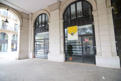 Ref 3964 – Commercial property for rent in Ciutadella, Barcelona. 90 m2