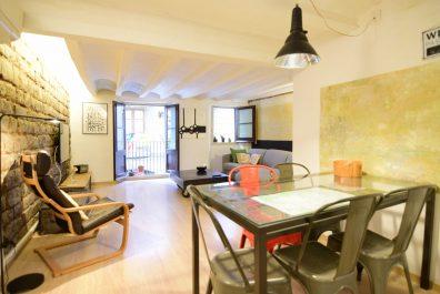 Ref 4042T – Apartament en lloguer temporal a la zona del Gótico, Barcelona. 70m2