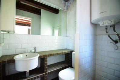 Ref 4051V – Ático a reformar en venta en la zona de Ciutat Vella, Barcelona. 39 m2