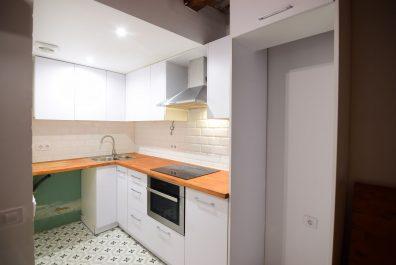 Ref 4059 – Local/apartament en lloguer a la zona del Raval, Barcelona. 70m2