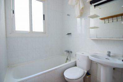 Ref 4069 – Attic for rent in Ciutat Vella, Barcelona. 120m2